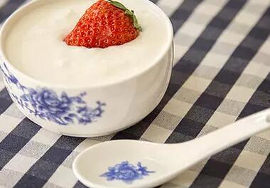 每天喝酸奶有什么好处呢