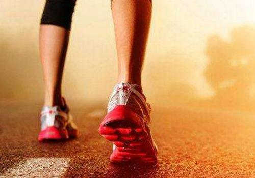 女人如何推迟更年期 积极锻炼身体